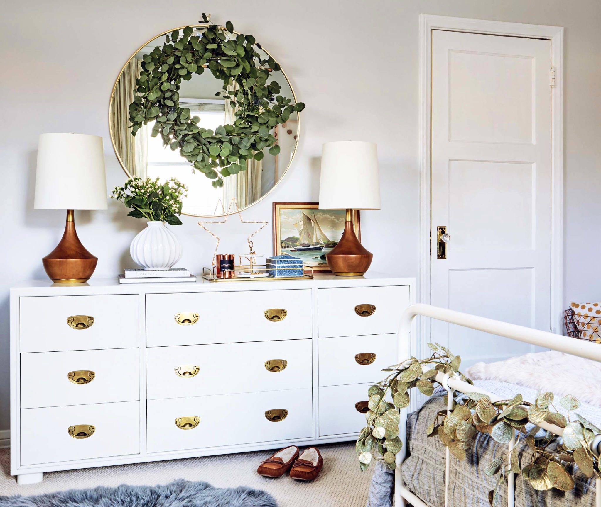 GINNY_MACDONALD_HOLIDAY_BEDROOM_13