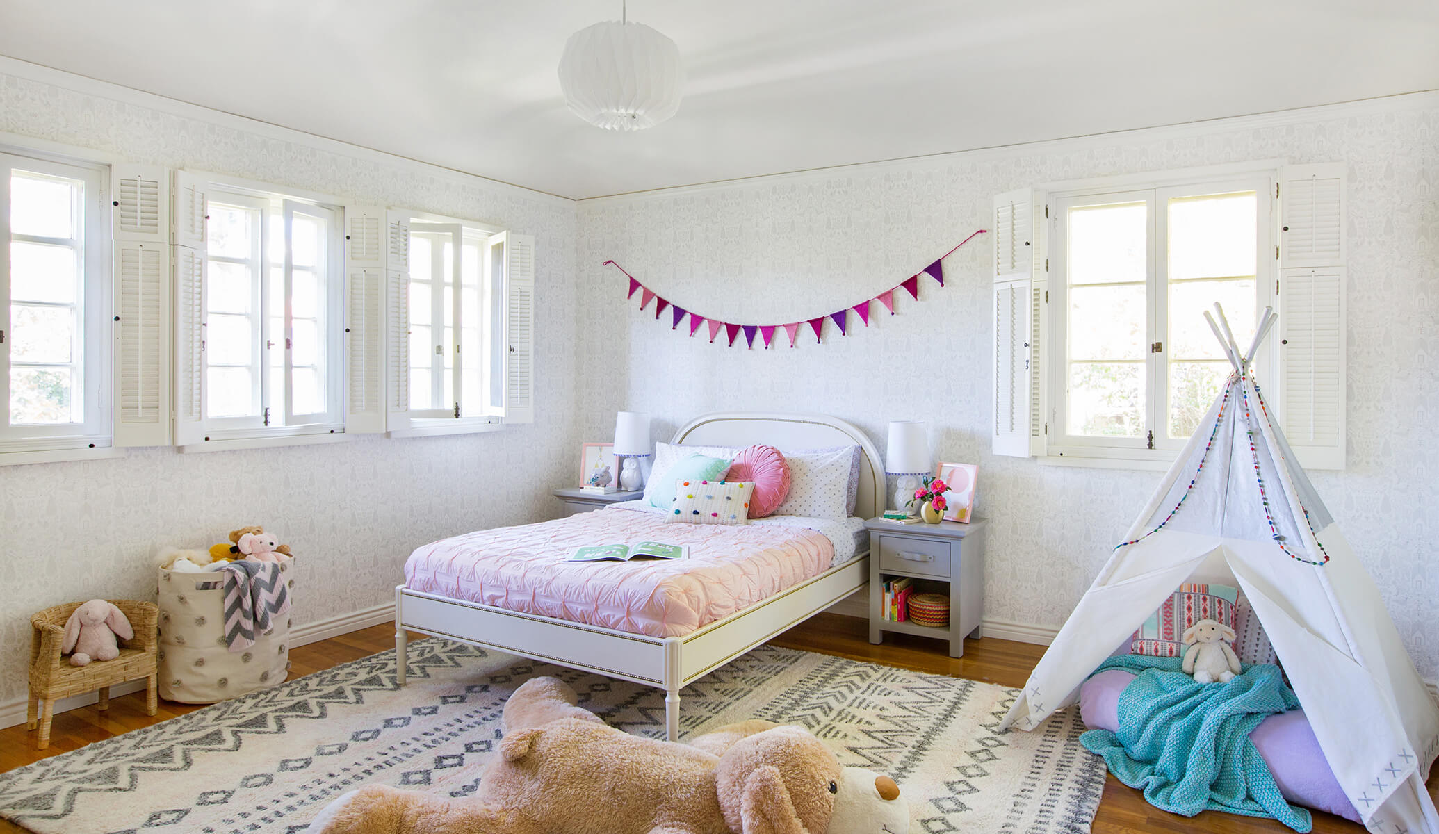 14_GINNY_MACDONALD_GIRLS_BEDROOM_FEATURED_IMAGE