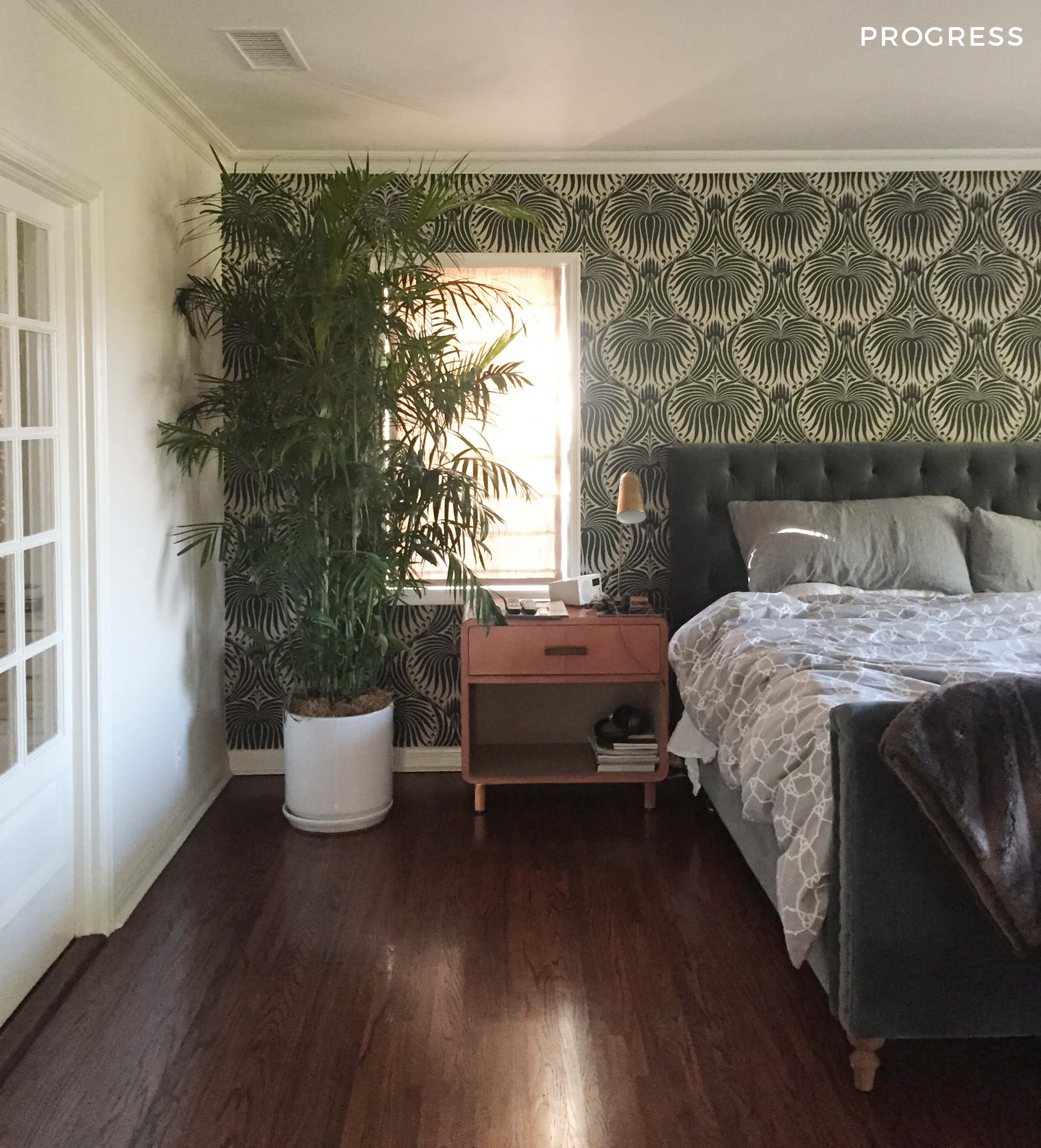 16_GINNY_MACDONALD_TRADITIONAL_BEDROOM_PALM_TREE