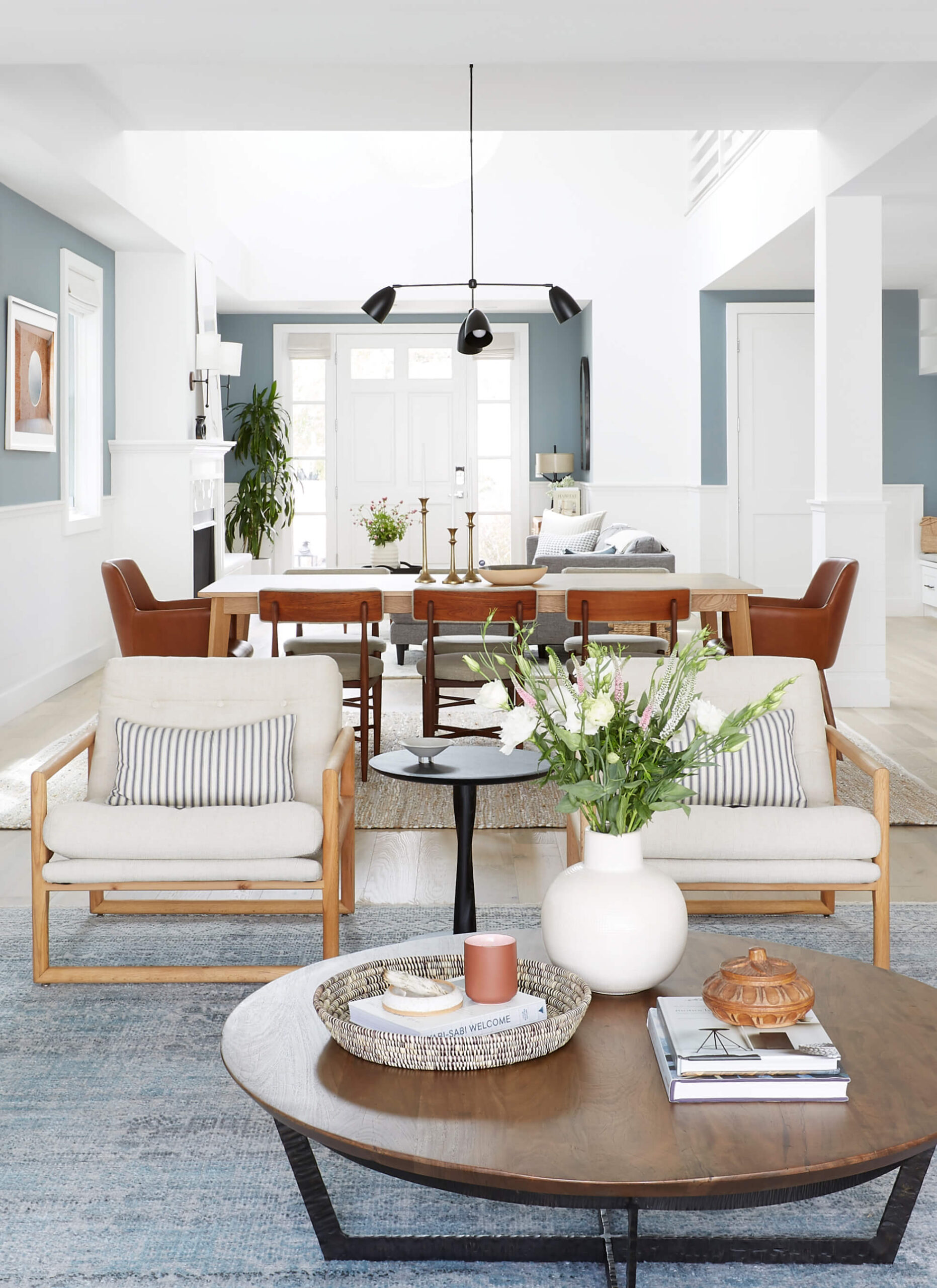 GINNY_MACDONALD_BEACH_HOUSE_LIVING_DINING_ROOM