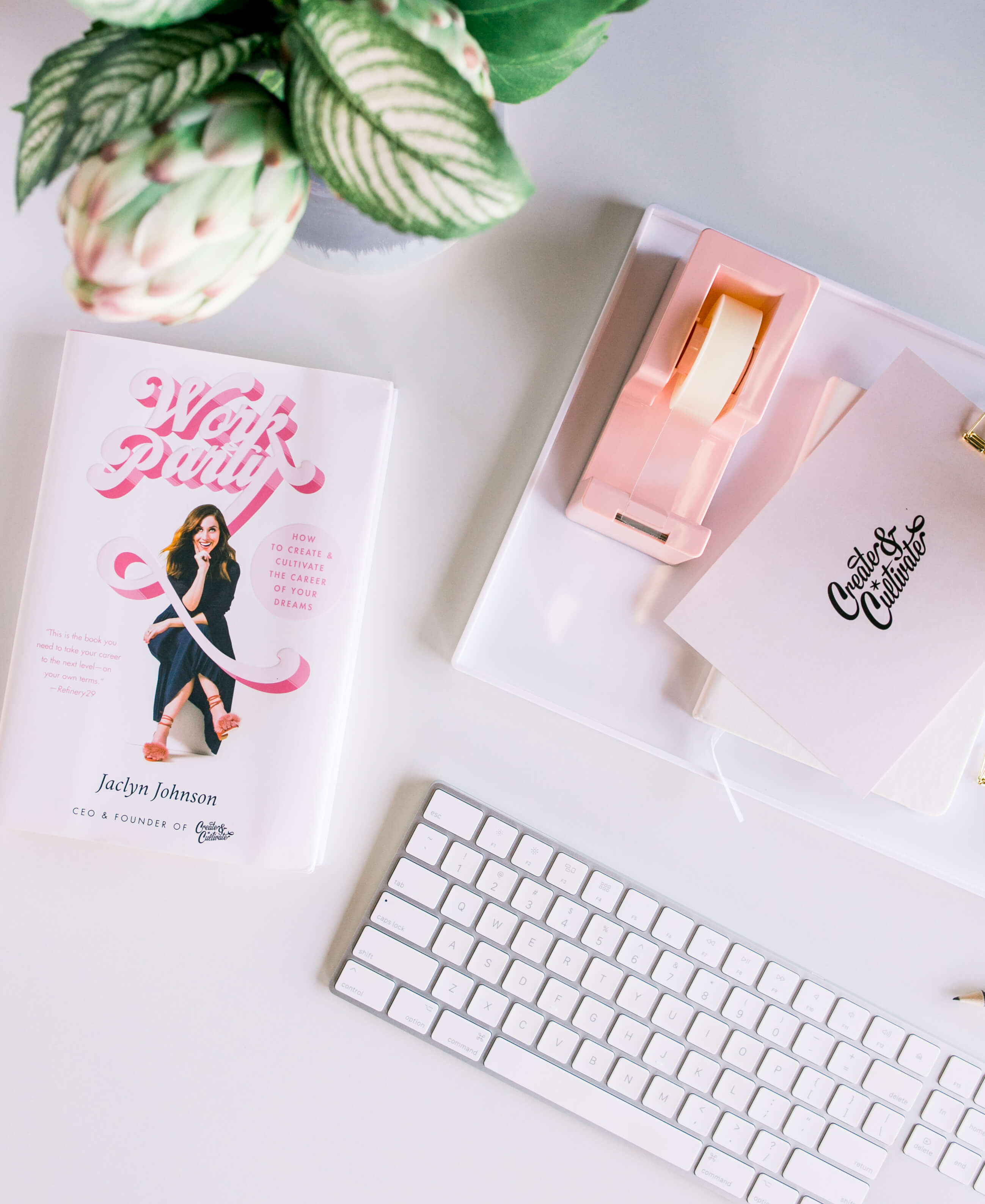 GINNY_MACDONALD_CREATE_CULTIVATE_OFFICE_FLATLAY